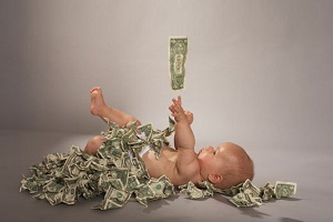 Сколько платят за первого ребенка ежемесячно