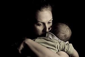 Отказали в материальной помощи одинокой матери соцзащита